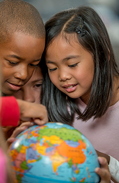 Timeline elementarystudents_globe